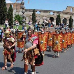Legiões que seguiram o cortejo. Foto: divulgação.