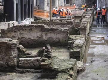 Antigo quartel militar encontrado nas proximidades da casa de madeira. Foto: Corriere Della Sera