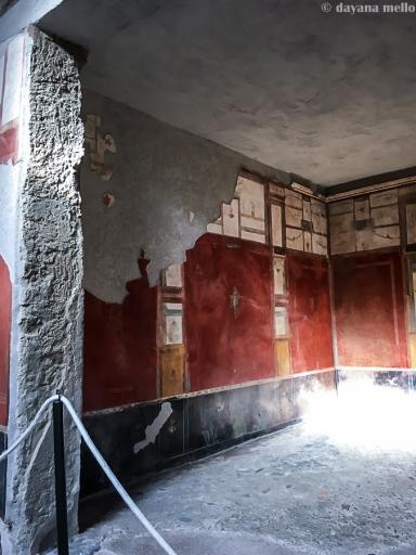 Devido à perfeita preservação de Pompeia, podemos constatar a beleza dos afrescos de suas residências. Foto: ©dayana mello