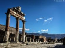Ruas inteiras de Pompeia foram preservadas dentro do material vulcânico, expelido pelo Vesúvio, há quase 2 mil anos. Foto: ©dayana mello