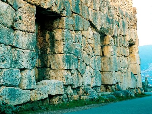 Os três nichos ou Portas falsas de Alatri. Foto:©Ornello Tofani